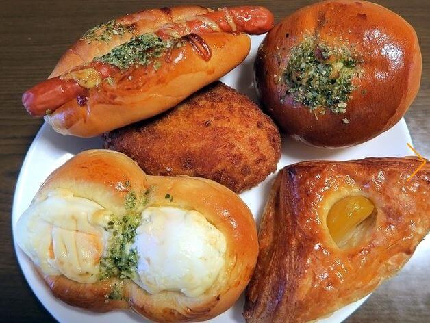 イーグル文京のパン