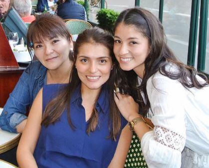 比嘉バービィと母親と姉