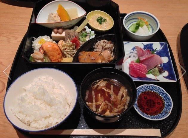 笹岡隆次の料理