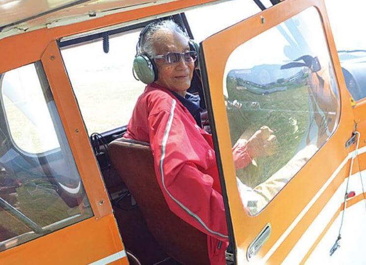 パイロット 年収 ヘリコプター