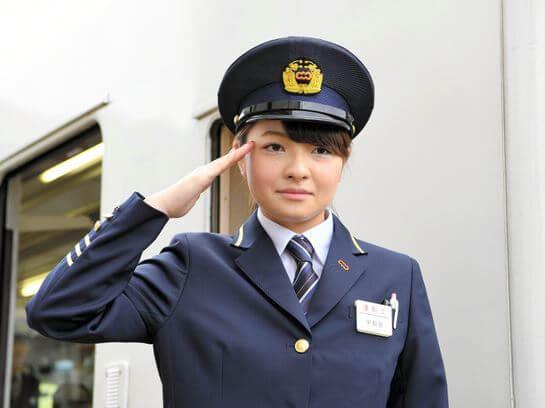 宇都宮聖花 女性鉄道運転士