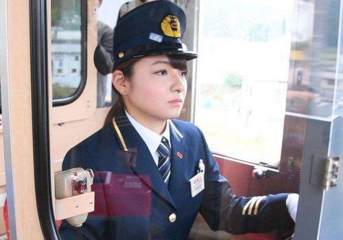 宇都宮聖花 三陸鉄道女性鉄道運転士