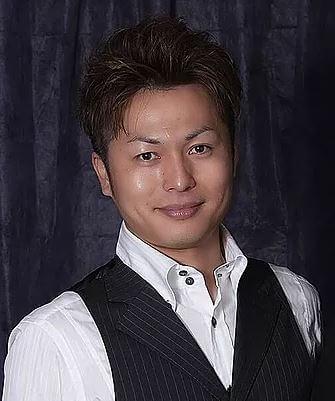 「手相鑑定シャフル」の斉藤郷琉先生